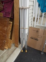 CRUTCHES FOR SALE,VERY NICE CONDITION in Yorkville, Illinois
