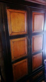 All  Wood Cabinet in Baytown, Texas