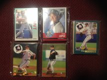25 Assorted Atlanta Braves Baseball Cards 80's-90's in Camp Lejeune, North Carolina