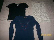 Ladies Shirts Size Small in Fort Knox, Kentucky