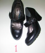 Woman Shoes size 8.5  & size  9 in Pleasant View, Tennessee