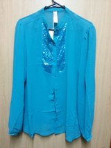 Sz. XL / 1X NWT sequined blouse $7 in Okinawa, Japan