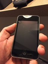 Apple iPod touch 8 GB Black (4th Generation) (Discontinued by Manufacturer) in Beaufort, South Carolina