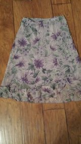 Skirt, Size Medium in Kingwood, Texas