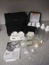 Ameda Purely Yours Double Breast Pump & Extra Bottles in 29 Palms, California