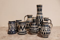 8 pieces Stoneware Vase and Mugs Lot in Los Angeles, California