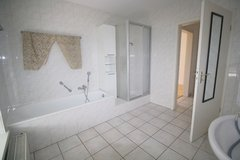 Modern 3 Bedrm & Office / 2.5 Bathroom Duplex w/Fenced-in Garden- Great Location in Ramstein, Germany
