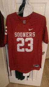 Oklahoma Sooners Jersey in Lake Elsinore, California