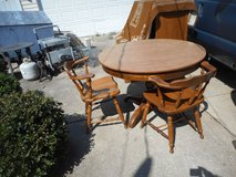 Vintage Oak Frame wood grain formica top table w/4 Captains Chairs + leaf in Chicago, Illinois