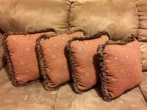 4 decorative pillows in Clarksville, Tennessee