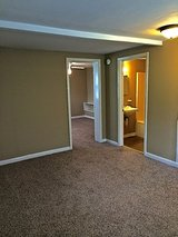 COZY: 1 Bed 1 Bath Apartment in Fort Campbell, Kentucky