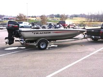 2002 AVALANCHE ALL [ALUMINUM BASS BOAT] in Clarksville, Tennessee