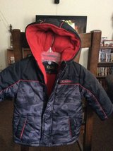 2T Extreme brand hooded winter coat in Byron, Georgia