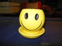 Mcoy Smiley/Happy face Plant holder in Algonquin, Illinois