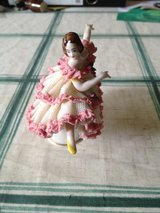 Beautiful antique German Dresden lace porcelain ballerina figurine. in Heidelberg, GE