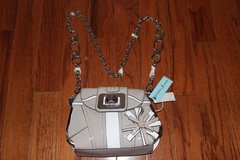 ***BRAND NEW***GUESS Purse W/ Chainlink Strap*** in Katy, Texas
