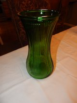 Vintage Hoosier Green Glass Vase 4087-B 23A in Fort Campbell, Kentucky