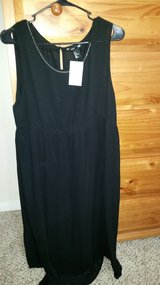 NWT H&M Black Maternity Dress, Size Large in 29 Palms, California