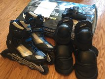 ULTRABLADE ADULT INLINE SKATE, SIZE 7, With Pads in Warner Robins, Georgia