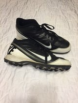 nike mens sz.8.5 cleats in Fort Campbell, Kentucky
