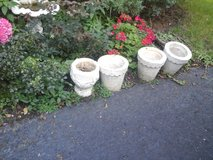 4 cement vintage flower pots in Bolingbrook, Illinois