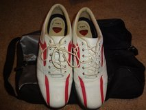 Women's Callaway Golf Shoes- Size 7.5 and carry bag in Shorewood, Illinois