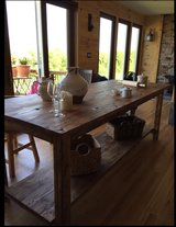 Farm style country table shelf in Camp Lejeune, North Carolina