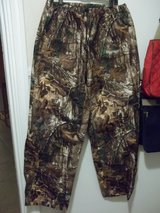 Real Tree Camo Pants Lg in 29 Palms, California
