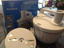 Salad Spinner Electric in Lockport, Illinois