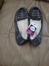 Brand new roxy shoes size 8 in Fort Carson, Colorado