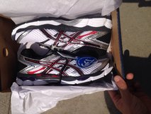 Asics mens 10 running shoes in Okinawa, Japan