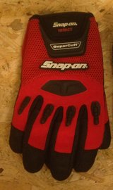 Snap-on Impact Motorcycle Work Gloves in Okinawa, Japan