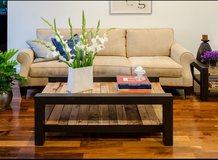 Wood pallet coffee table shelf front room in Camp Lejeune, North Carolina