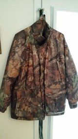 Cabela's Men's Insulated Parka, jacket and bibs (Med Regular) in Camp Lejeune, North Carolina