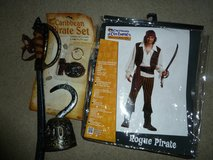 Rogue Pirate Men's Costume in Fort Bliss, Texas