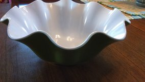 100% MELAMINE Salad Bowl in Kingwood, Texas
