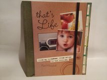 THAT'S LIFE ..SCRAPBOOKING HOW TO BOOK in Batavia, Illinois