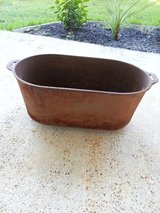 REDUCED! Lrg Cast Iron Pot in Cleveland, Texas