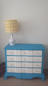 Two beachy dressers in San Clemente, California