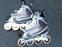 Adult Bauer Vapor Roller Blade - Like New in Bolingbrook, Illinois