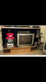 "32"" tv and stand in Fort Leonard Wood, Missouri"