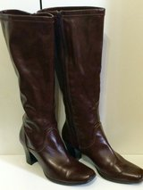 Ladies Knee High Brown Boots size 8 in Fort Leonard Wood, Missouri