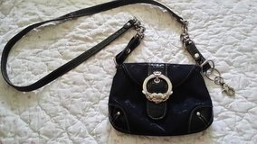 Kathy Van Zeeland Purse in Naperville, Illinois