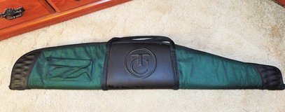 TC 52 inch padded rifle case for scoped rifle. in Fort Leonard Wood, Missouri