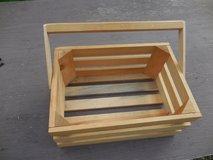 Small wood basket in Glendale Heights, Illinois