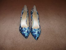Nine West blue floral pump NWOT  REDUCED! in Camp Lejeune, North Carolina
