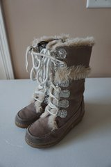 Girls Furry Boots Size 11 in Naperville, Illinois