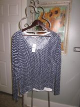 Loft Sweater Size Small - NWT in Orland Park, Illinois