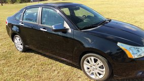 CLEAN 2011 FORD FOCUS SEL 4 CYL. in Fort Polk, Louisiana