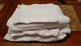 2 White Twin Sheet Bedding Sets in Fort Rucker, Alabama